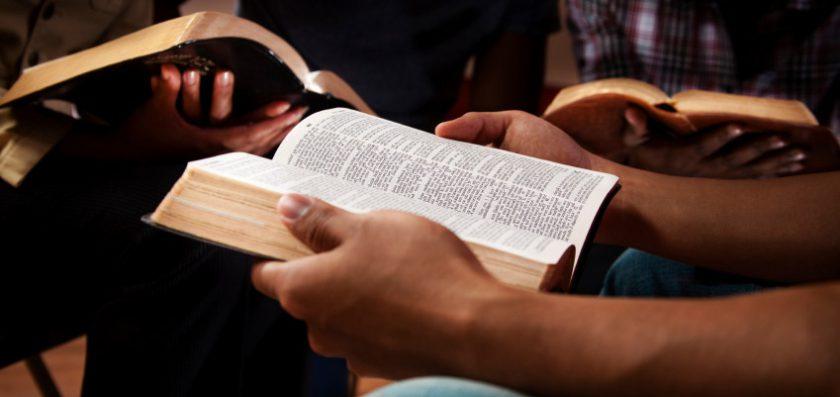 La Hermenéutica aplica a la poesía bíblica.