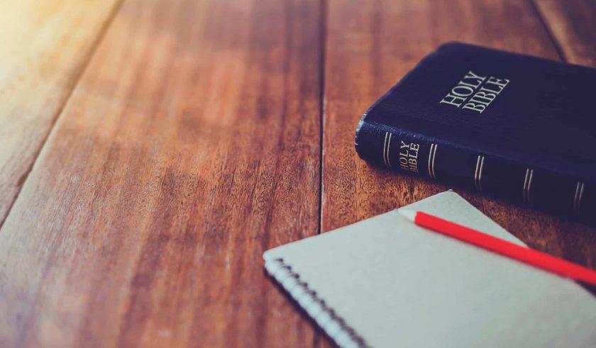 Tenga en cuenta principios para una apropiada aplicación de la Hermenéutica Bíblica.