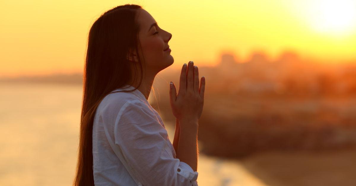 Todo cristiano está llamado a pasar tiempo en oración con Dios.